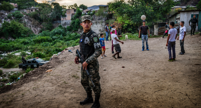 Keeping a watchful eye on a gang riddled Honduras neighbourhood (EU Civil Protection and Humanitarian Aid Operations)